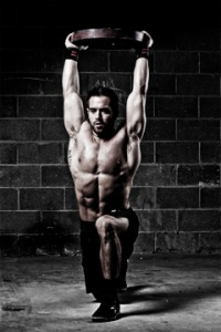 I wish my overhead lunges look that good...